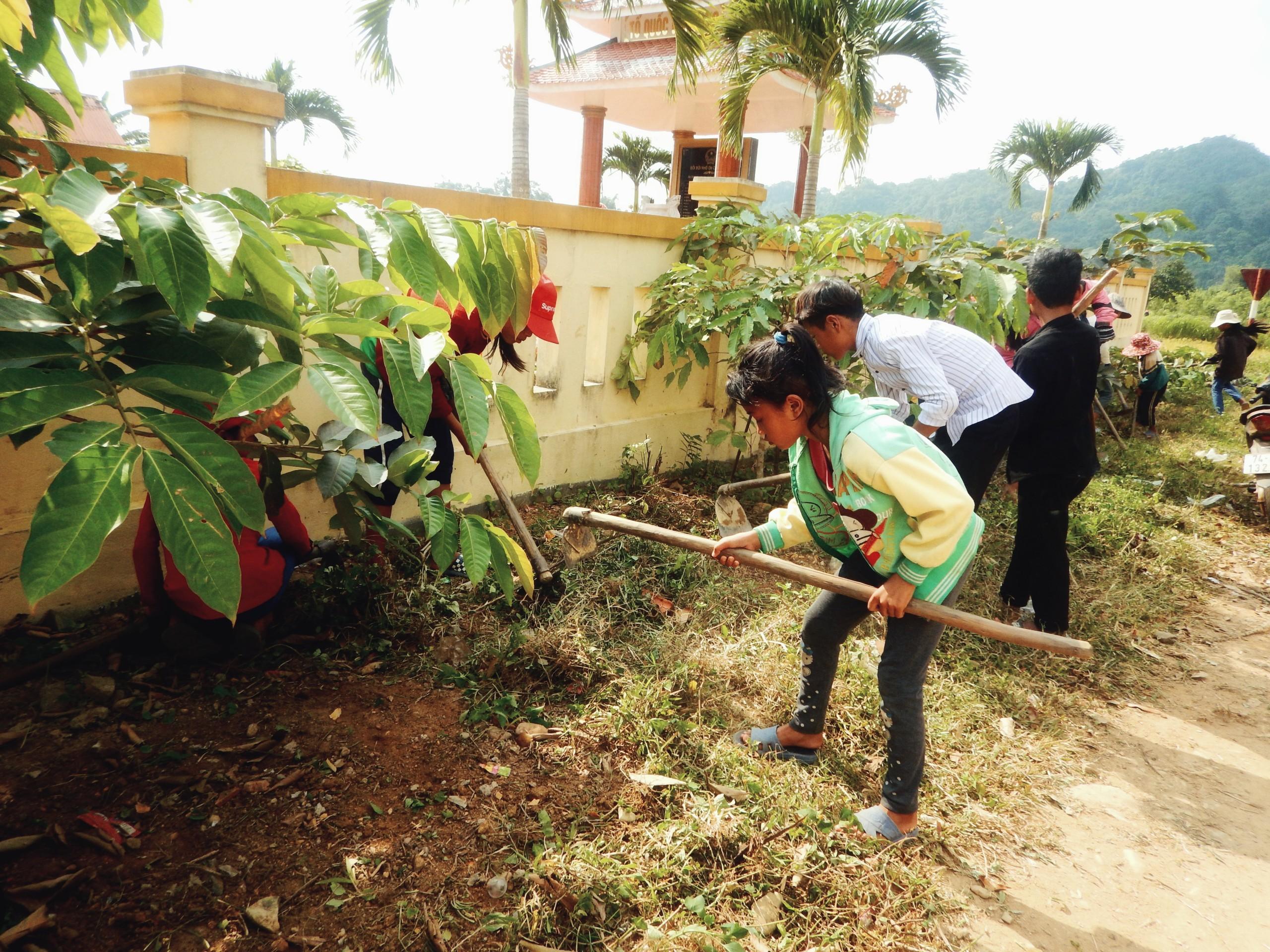 Phát động chiến dịch vệ sinh môi trường